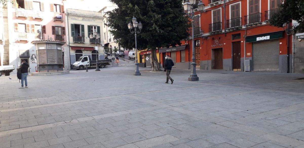 Piazza Yenne a Cagliari l'8 febbraio, giorno di ritorno alla zona gialla