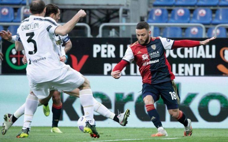 Tripletta di Ronaldo alla Sardegna Arena: Cagliari – Juve finisce 1-3. Torna al gol Simeone