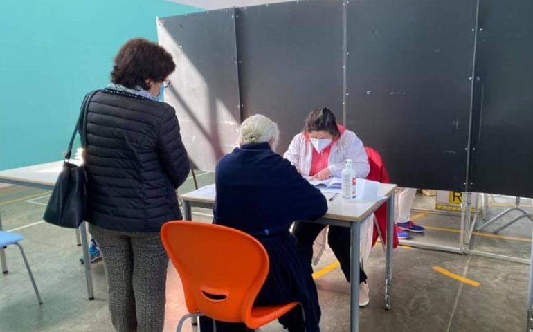 Vaccini, consegnate oggi in Sardegna 40mila dosi di Pfizer-Biontech