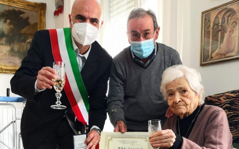 Cagliari, 100 candeline per la signora Ida: per la famiglia Caredda un'attività di macelleria da 4 generazioni