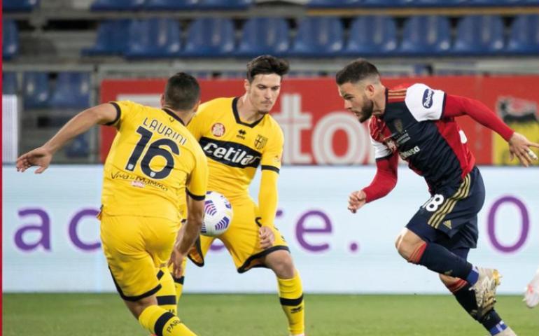 Al 94′ Cerri regala la vittoria al popolo rossoblù: contro il Parma alla Sardegna Arena finisce 4-3