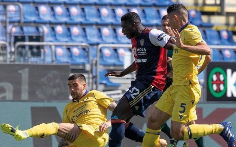 Rossoblù senza infamia e senza lode perdono ancora: alla Sardegna Arena Cagliari- Verona finisce 0-2