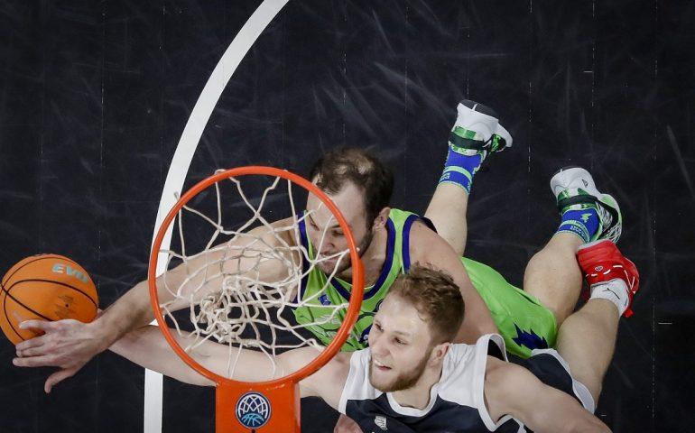 Basket, la Dinamo dice addio alla Champions dopo la sconfitta a Bamberg