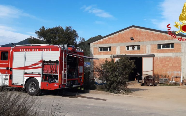 Tertenia, un'esplosione sul lavoro: grave un 31enne trasportato in elisoccorso