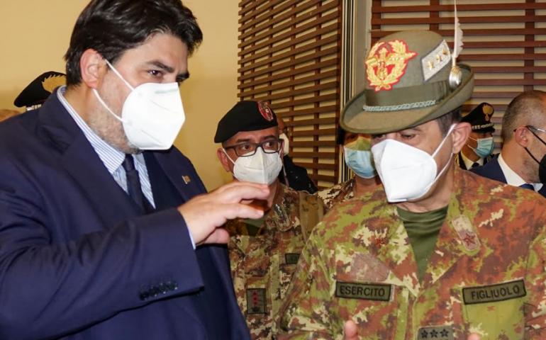 """Vaccini, Figliuolo a Cagliari. Solinas: """"La Sardegna rispetterà gli obiettivi"""""""