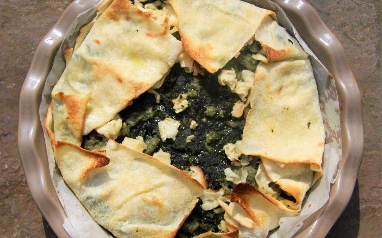 La ricetta di Vistanet: torta salata di pane carasau con erbette e lardo