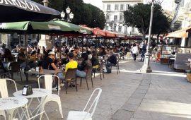 (FOTO) Zona gialla, Cagliari riparte: tavolini pieni e tanta voglia di normalità in centro