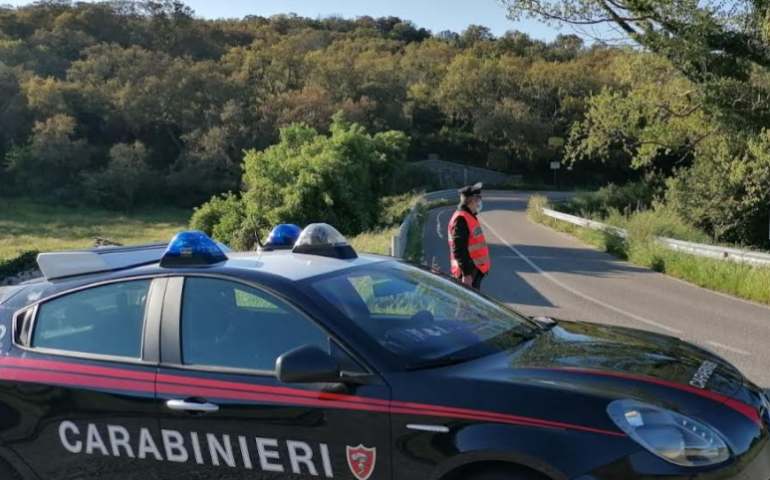 """Sardegna. Festeggiavano l'arrivo della primavera con uno spuntino e """"fumo"""": nei guai 13 giovanissimi"""