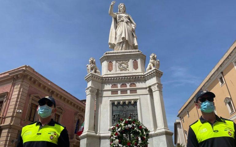 A Oristano i 140 anni del monumento a Eleonora d'Arborea: posata una corona di fiori e tutta la città presente idealmente