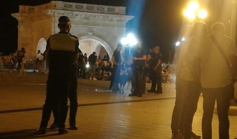 Polizia e militari contro la malamovida, Bastione presidiato nella notte: per Castello un sabato di sonni tranquilli