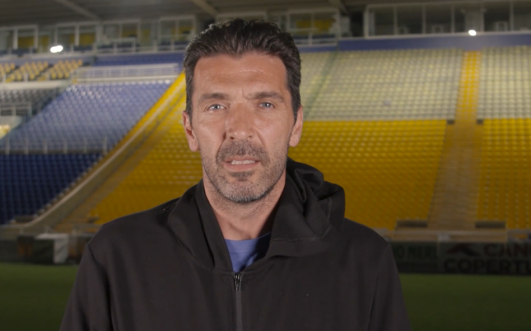 "(VIDEO) Buffon torna al Parma dopo 20 anni: ""Superman torna a casa"""