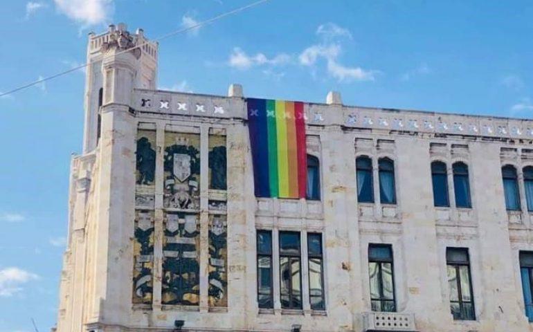 Cagliari, non passa in aula comunale la Carta etica contro le discriminazioni sessuali: bocciata la proposta della minoranza e delusione per le categorie Lgbt