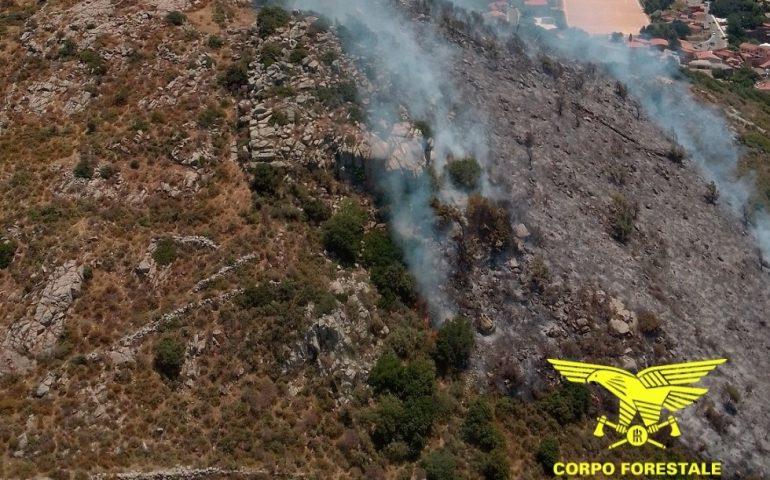 Arbus e Pula, tanti incendi in Sardegna e grande lavoro per il Corpo Forestale: tutte le operazioni di spegnimento nell'Isola