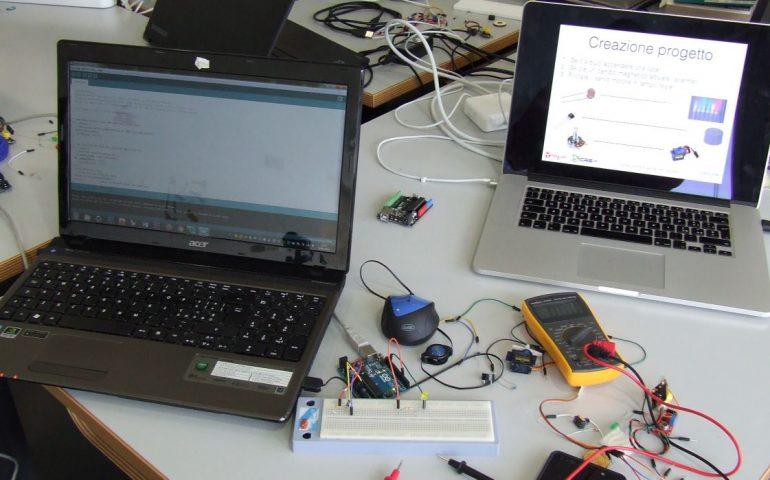 Sardegna, docenti a scuola con i robot: al via il corso educativo, scienza e tecnologia fra libri e quaderni. Ecco come fare