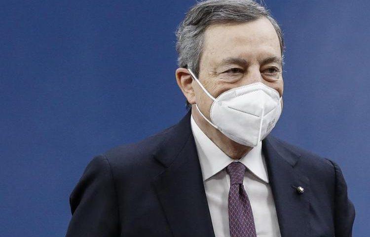 Green Pass, Draghi firma decreto: valido dal 1° luglio in tutta l'Ue