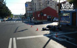 Scontro tra scooter in viale Marconi, feriti un agente della Polizia e un altro uomo