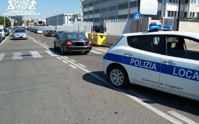 Mercedes travolge 82enne che attraversa sulle strisce: incidente a Pirri