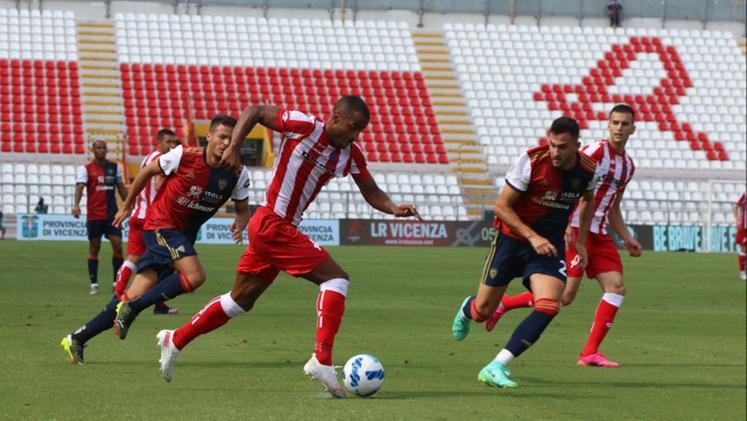 Cagliari vittorioso in amichevole contro il Vicenza: 3-0