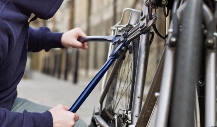 Appassionato di biciclette ( ma degli altri): denunciato un 50enne di Selargius