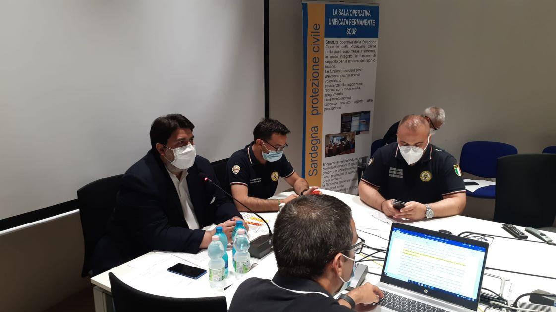 La Sardegna nella morsa del fuoco, la Giunta regionale dichiara lo stato di emergenza