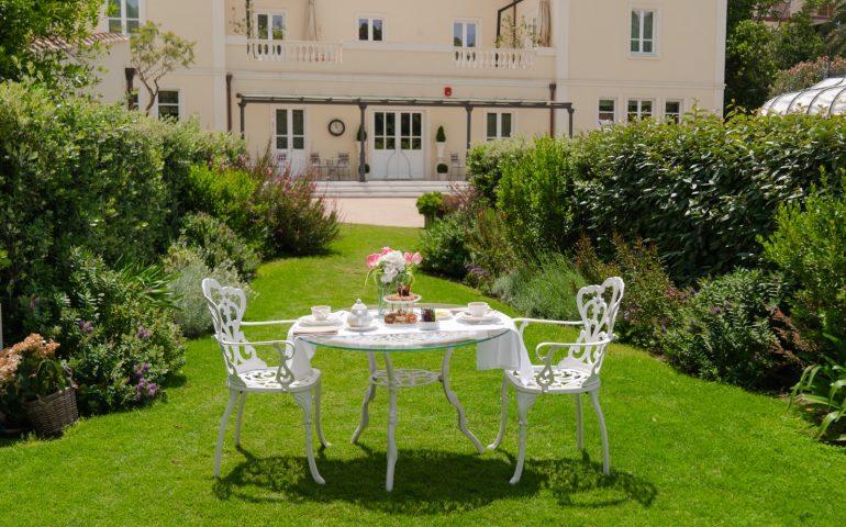 Lo sapevate? Nel cuore di Cagliari c'è un hotel con un grande giardino al suo interno
