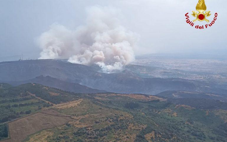 Incendi in Sardegna, Solinas chiede aiuto al Governo