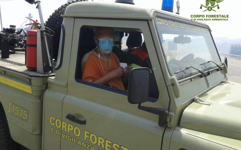 Sardegna, oggi altri 13 incendi: salvato un uomo circondato dalle fiamme da pattuglia Forestale