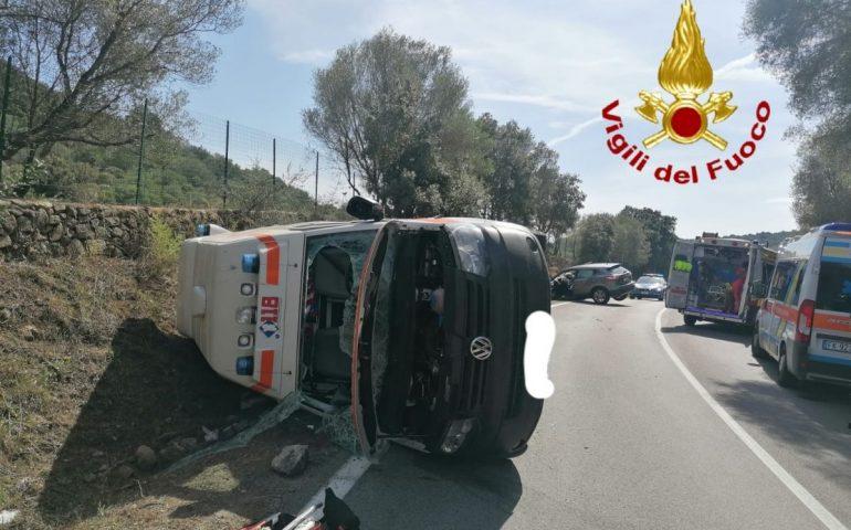 Sardegna, scontro tra ambulanza e Suv sulla Statale 125: 4 feriti trasportati in ospedale