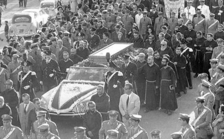 Accadde Oggi. 26 settembre 1968: 53 anni fa i funerali di Padre Pio. Oltre 100mila fedeli per l'ultimo saluto al Frate delle stigmate