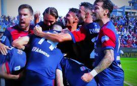 Altro che jet lag: gli uruguayani e Joao Pedro trascinano il Cagliari alla prima vittoria. Con la Samp finisce 3-1