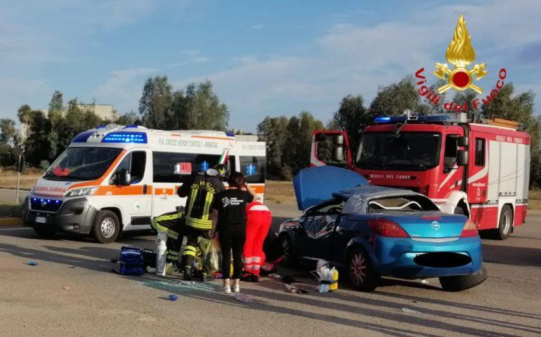 Sardegna, auto si ribalta: 37enne in grave condizioni trasportato in elisoccorso all'ospedale