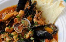 La ricetta Vistanet di oggi: Cassola de pisci a sa casteddaia, una zuppa deliziosa
