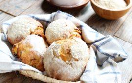 La ricetta Vistanet di oggi: Pratziereddas de arrescottu, soffici panini con ricotta