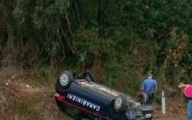 Loceri: auto dei carabinieri si ribalta, militare illeso