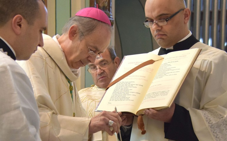 Auguri Di Buon Natale Al Vescovo.Il Natale Che Vorrei Gli Auguri Del Vescovo Mura Alla