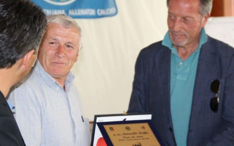 Riconoscimento alla carriera per mister Staffa, icona del calcio ogliastrino