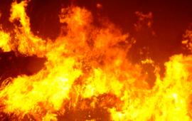 Nuoro, fiamme in un palazzo: paura in centro