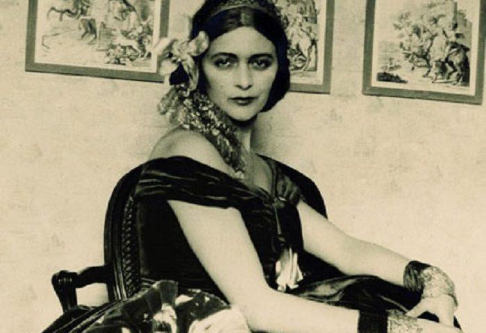 Donne di Sardegna. Una vita fatta d'arte: Edina Altara, illustratrice, ceramista, decoratrice e pittrice