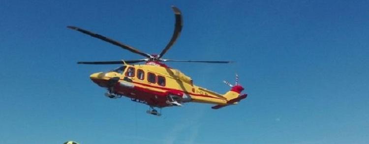 Tertenia, grave dopo volo da quattro metri. Anziana trasportata in elicottero al Brotzu