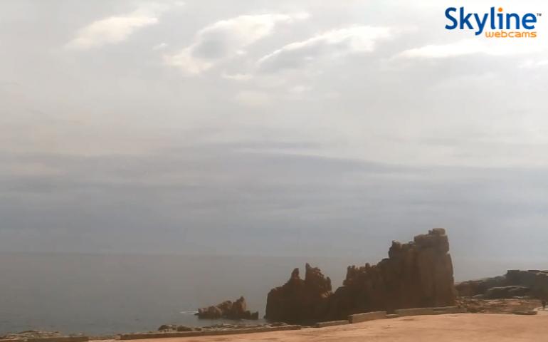 La webcam di SkyLine puntata sulle Rocce Rosse di Arbatax funziona nuovamente: il paradiso ora è in diretta