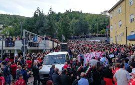 """(PHOTOGALLERY) In migliaia, da tutta l'Ogliastra, hanno """"invaso"""" le strade di Lanusei, uniti nella battaglia a difesa dell'Ospedale"""