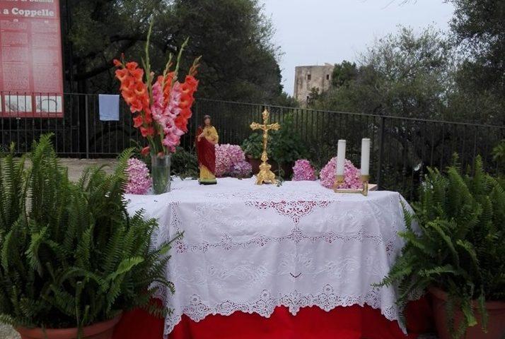 Rubano la tovaglia dall'altare dopo il Corpus Domini. Succede a Santa Maria Navarrese
