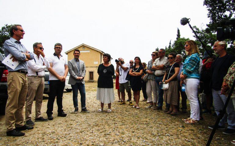"""Ulassai, per la prima volta in Sardegna, un'esperienza multimediale e immersiva dentro la fiaba """"Tenendo per mano l'ombra"""""""