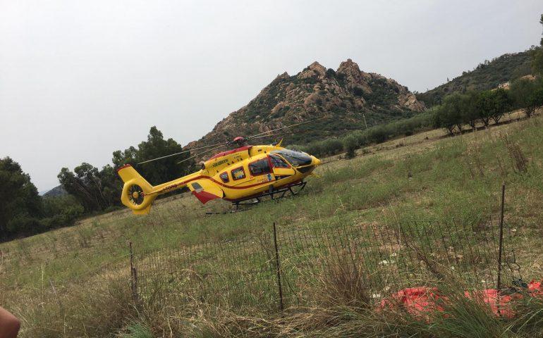 Spiaggia di Tancau, uomo soccorso e trasportato all'ospedale in elicottero