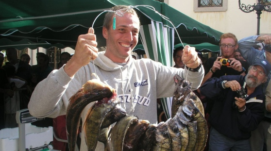 Tragedia a Porto Corallo: muore il grande campione di pesca subacquea Bruno De Silvestri
