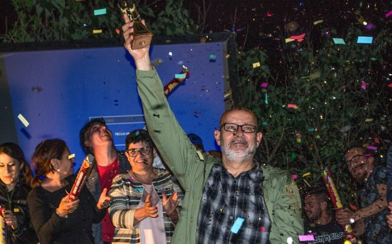 Il nuorese Sandro Mattei trionfa alla Finale Poetry Slam Sardegna. Per lui si aprono le porte delle Finali Italiane