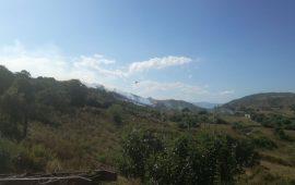 Ancora fiamme in Ogliastra. Incendio nelle campagne di Ilbono