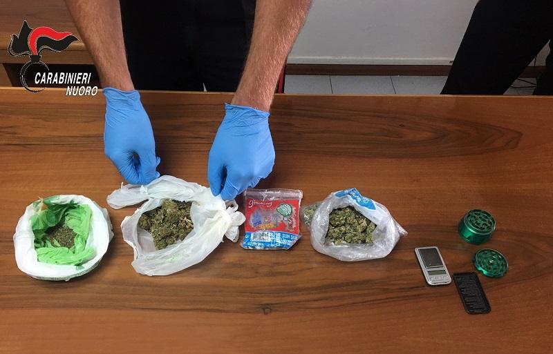 Osini, minorenne nei guai: aveva due buste di marijuana nello zainetto