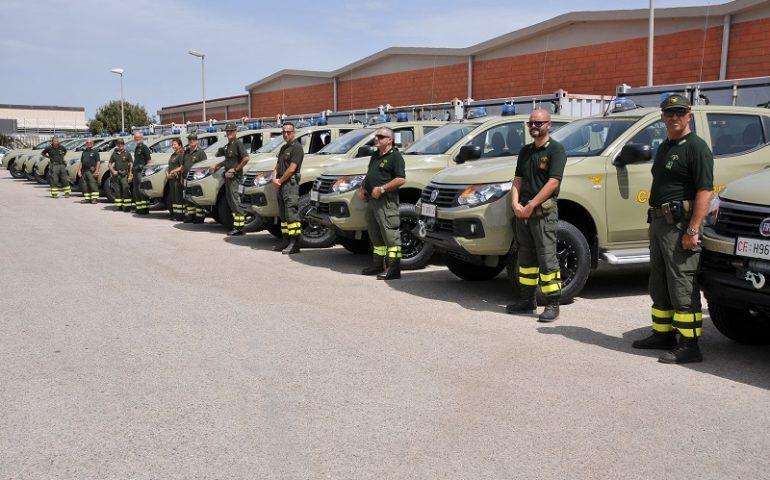 Assessore Lampis consegna 24 mezzi al Corpo forestale per rinnovo autoparco. Mezzi anche a Tortolì e Jerzu