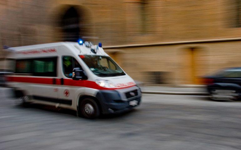 In sella alla sua Vespa, viene travolto da un uomo ubriaco a bordo di un'Audi e ucciso
